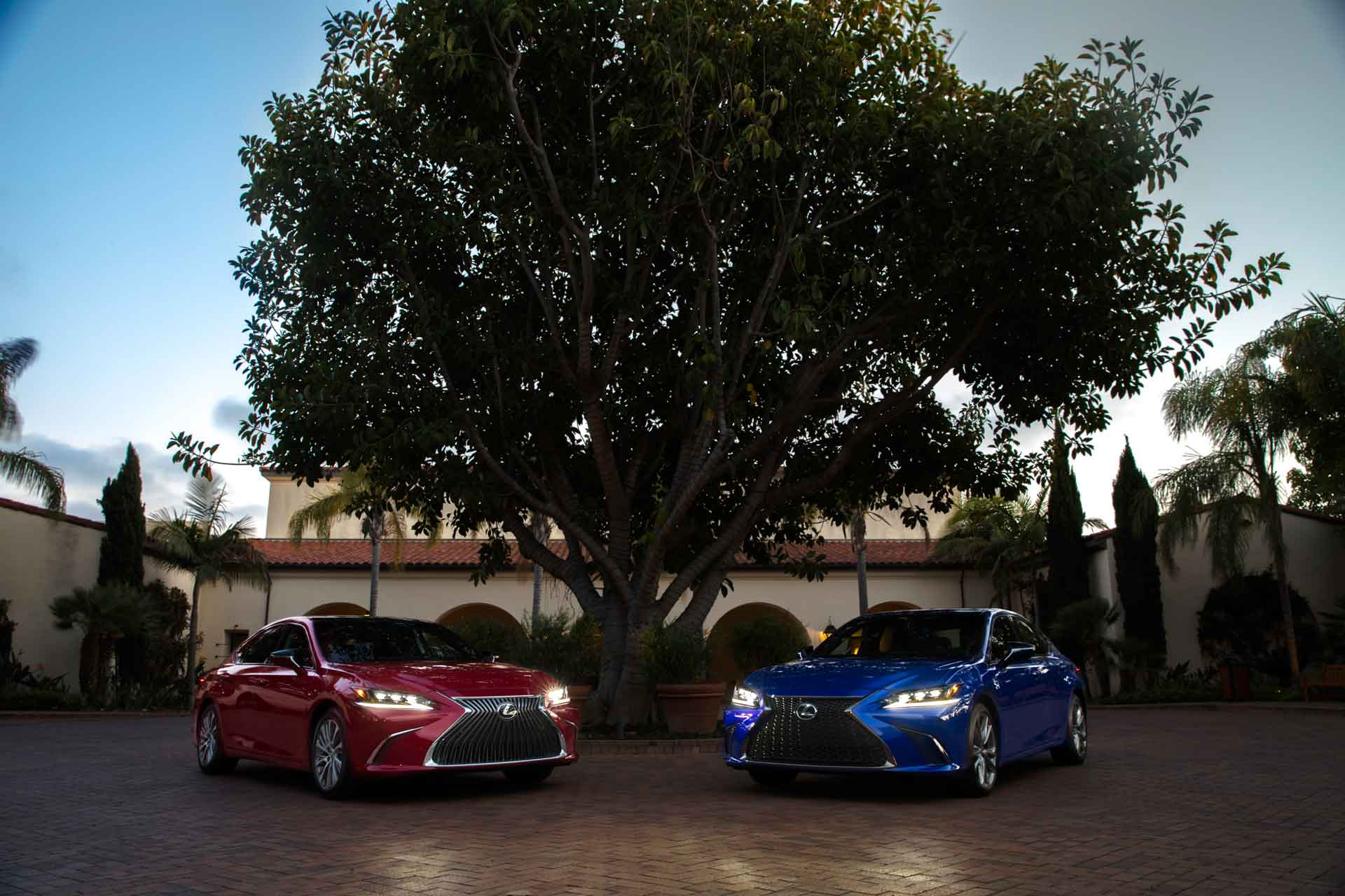 ES 350 Luxury Package in Matador Red Mica & ES 350 FSPORT in Ultrasonic Blue Mica 2.0