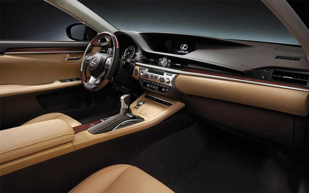 ES 350 with Executive Package in Flaxen Leather