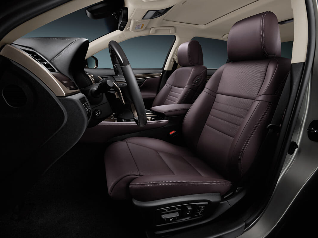 GS 350 AWD with Executive Package shown with Noble Brown Premium Leather