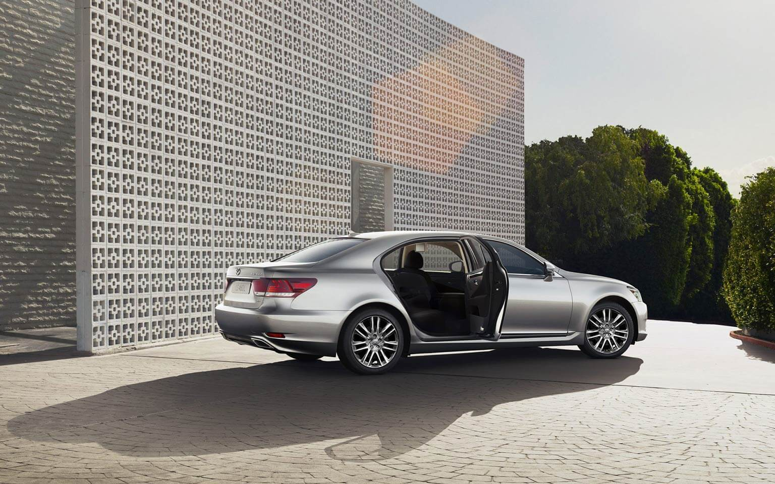 LS 460 L AWD with Executive Package in Atomic Silver